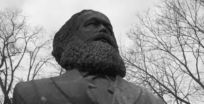 פסל של קרל מרקס